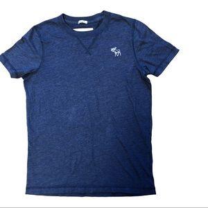 Abercrombie & Fitch V-Neck T-Shirt - Size M